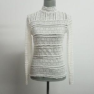Tops - Beautiful lace long sleeve top